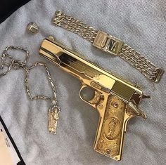 Airsoft hub is a social network that connects people with a passion for airsoft. Talk about the latest airsoft guns, tactical gear or simply share with others on this network Ninja Weapons, Weapons Guns, Guns And Ammo, Arsenal, Gun Aesthetic, Fille Gangsta, Desert Eagle, 44 Magnum, Pretty Knives