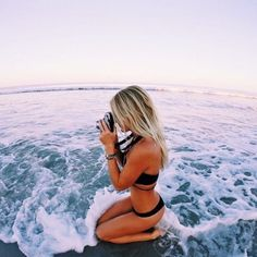 Summer vibes and bikini days Beach Bum, Summer Beach, Summer Vibes, Summer Goals, Summer Of Love, Photo Voyage, Foto Casual, Summer Pictures, Cute Beach Pictures