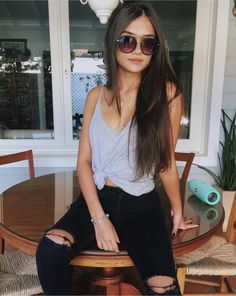 # sonnenbrille # frau # t-shirt - GIRLS - haar Mode Outfits, Trendy Outfits, Summer Outfits, Fashion Outfits, Trend Fashion, Lolita Fashion, Fashion Fashion, Summer Dresses, Fashion Women