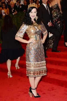 Katy Perry chose a Dolce & Gabbana beaded dress and crown from the autumn/winter 2013-14 collection.