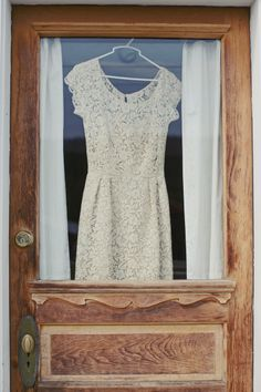 your dress from the barrel room window (great idea for the photographer)
