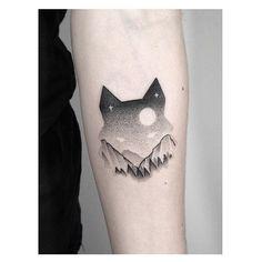 wolf minimalist tat