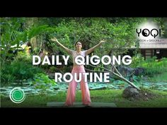 A Qigong energy routine inspired by Donna Eden's Daily Energy exercises designed to wake up your body's energies and get them moving in the right direction. Qigong, Tai Chi Exercise, Tai Chi For Beginners, 12 Week Workout, Vinyasa Yoga, Yoga Meditation, How To Relieve Stress, Yoga Fitness, Routine