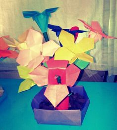 Flower origami - yellow bell and box origami