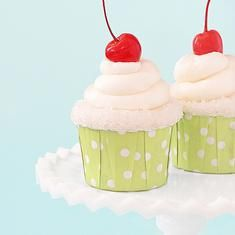 Appletini Cupcakes (via foodily.com)