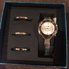 ⚡️⚡️FLASH SALE⚡️⚡️Multiple face Coach watch NWT! Multiple Face Coach watch. Change the face to your outfit. Silver band. Coach Accessories Watches
