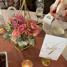 Polite formed wedding centerpiece flowers