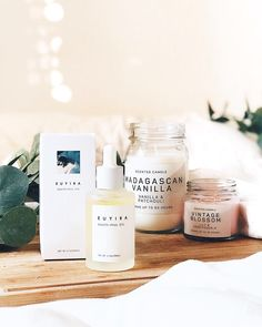 #Euyira Beauty-full oil Since I discovered the oils in the skincare routine thanks to Liah Yoo I cant live without them. There are so many types of oil depends of what our skin needs or what we concern. You can use oils if your skin is oily acne prone dr
