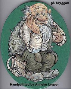 """På Bryggan "", handpainted by Anneke Legeer, the Netherlands, naar voorbeeld van Rolf Lidberg, Gnomes, Netherlands, Lion Sculpture, Dads, Fairy, Hand Painted, Magic, Statue, Sketches"
