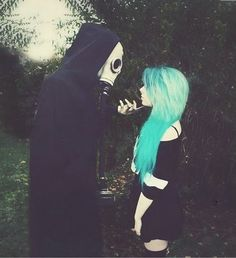I love everything about this picture! Its like the devil is seducing an angel ❤️ #scene hair # blue hair