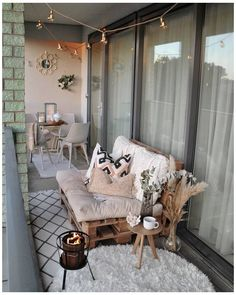 🌼B a l c o n y❤ I finally had the time to style our balcony again! The weat … 🌼B a l c o n y❤ I finally had the time to style our balcony again! The weather has been so beautiful in the past 2 weeks that I have decided that … … Small Balcony Decor, Outdoor Balcony, Small Patio, Balcony Garden, Outdoor Decor, Balcony Ideas, Patio Table, Backyard Patio, Patio Ideas