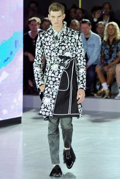 See all the Collection photos from John Galliano Spring/Summer 2013 Menswear now on British Vogue Boy Fashion, Fashion Show, Mens Fashion, Paris Fashion, Monochrome Pattern, John Galliano, Men Looks, Men's Collection, Passion For Fashion
