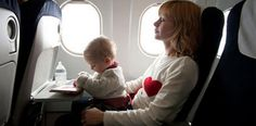 Cómo viajar en avión con un bebé o niño pequeño