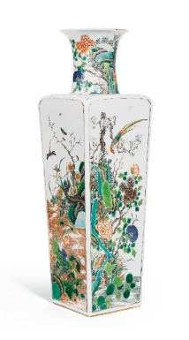 A RARE FAMILLE-VERTE 'BIRD AND FLOWERS' SQUARE VASE KANGXI MARK AND PERIOD - Sothebys