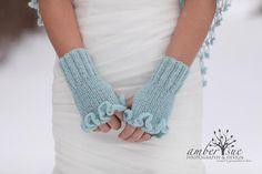 Gloves // Fingerless Gloves // Mittens // Ruffle by MODAcrochet