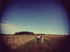 Amazing photo idea! Country Wedding Photos!
