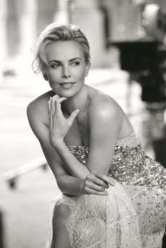 Charlize Theron pour Dior