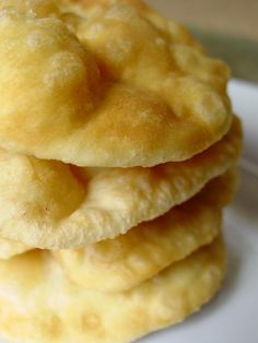 Puri Recipes, Snack Recipes, Snacks, Mauritian Food, Fusion Food, Indian Sweets, Naan, Apple Pie, Bakery