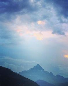 #monviso #piemonte #montagna #italia #mountains #mountian #italy #bergen #italien #clouds #nuvole #mountainphotography #mountainview Mountain Photography, Mountain View, Bergen, Clouds, Nature, Travel, Outdoor, Instagram, Italia