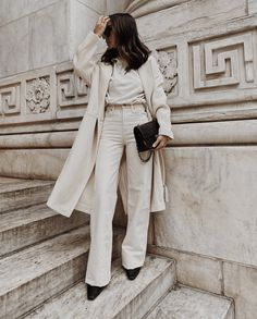 10 Spring Outfit Ideas To Wear With Your Black Ankle Boots – girl photoshoot ideas Spring Outfits, Winter Outfits, Spring Wear, Black Ankle Boots Outfit, Dress Up Jeans, Neutral Outfit, Basic Outfits, Mode Inspiration, Vintage Denim