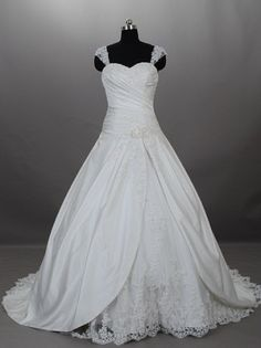 Discover many types of plus size wedding dresses on our site. We have designer Ball Gown Wedding Dresses with Lace Straps over The Shoulders. For more info on custom plus size wedding dresses and replica of haute couture bridal gowns please visit our main website at www.dariuscordell.com