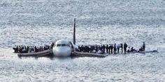 Imagen real del avión que atterizó en el Hudson, un heco real adaptado al cine por Clint Eastwood en Sully.