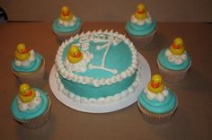 Rubber ducks By juliafrijole on CakeCentral.com