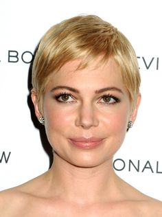 Michelle Williams at the 2011 National Board of Review Awards Gala #ShortHair #MichelleWilliams