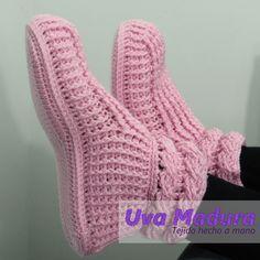 Mira el paso a paso de estas hermosas pantuflas en nuestro canal de youtube #DIY #Pantuflas #Slippers #Pantuflas Crochet #SlippersCrochet #PantuflasGanchillo #SlippersGanchillo #Crochê #Elişi #Örgü #Crochet_relax #Háčkování #Hækling #Örgüatkı #Knitlicious  #Häkeln #UvaMadura #Вязание #diy #diycraft #Crochets #Crochetlovers #Artesano #Ourmakerlife #Artesanía #Crochetlife #Tejidos #Crochetgirlgang #Lovecrochet #Elisi #Haken #Madetocreate #Wemakecollective #Tigisi #Knitlife #Virkkaus…