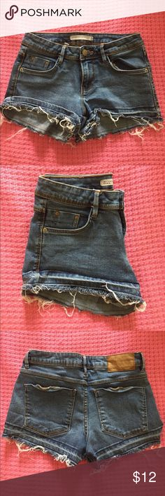 Zara Denim Shorts Blue Denim, Cut off Shorts, Eur: 34/ USA: 2/ Mex: 24 Zara Shorts Jean Shorts