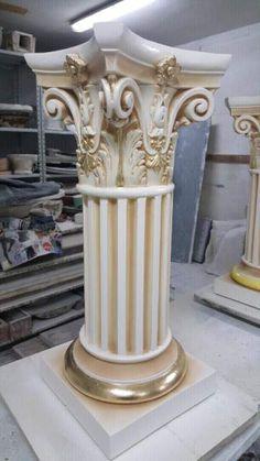 Coppia di colonne panna e oro foglia  7
