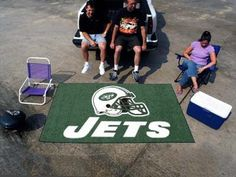 Fanmats New York Jets Team Ulti-Mat  http://allstarsportsfan.com/product/fanmats-new-york-jets-team-ulti-mat/  Polyester and non-skid Duragon® latex backing Chromo jet painted in team colors Machine washable