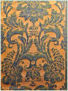 """Tissu """"Glicine"""" by Venice-based Spanish designer Mariano Fortuny (1871-1949). Via e-Venise."""
