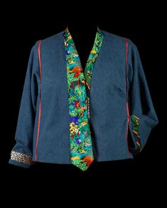 Another fun Tabula Rasa Jacket with vintage ties! This time Rae made the basic jacket in denim and used the bright and playful ties asthe band, inserted into the side seams as flat piping, and to...
