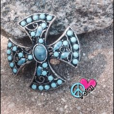 Silver Metal Turquoise Brooch  Simply Gorgeous Turquoise Beaded Silver Metal Brooch with a Beautiful Intricate Design   ✌ It's Perfect ✌️ NO TRADE Jewelry Brooches