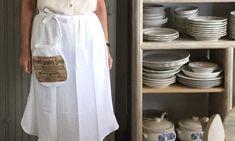 Using a tea towel make this farmhouse apron. Towel Apron, Farmhouse Aprons, Curiosity Shop, Tea Towels, Make It Simple, How To Make, Youtube, Design, Style