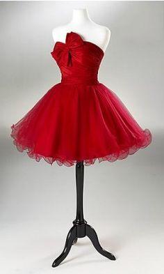 wayyy to cute little red dress for dinner date #LOVEisintheair #DesireTrueLove #DiamondCandles