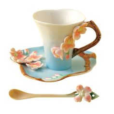 Spring is in the air throughout the museum, including The Museum Store, where this cherry blossom tea cup and matching spoon are recent additions to our spring collection! This item is an in-store exclusive, so stop by The Museum Store to check it out! For more information about The DAI's Museum Store, visit http://www.daytonartinstitute.org/museumstore.