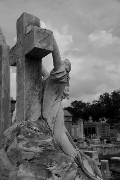 Lafayette Cemetery - New Orleans by Ron Foxx, via Flickr