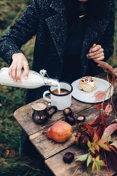 […] Gluten Free Cinnamon Rolls, Mint And Berry, Berry Berry, Brunch, Autumn Cozy, Autumn Aesthetic, Coffee Time, Morning Coffee, Sunday Morning