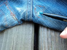 k n i t y o u r s e l f p r e t t y: Crotch Shots Part Deux How to repair the crotch rip in jeans