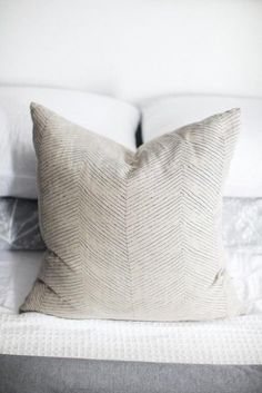 Herringbone Pillow / by Elizabeth Siegan. screen printed loveliness via Remodelista. Textiles, Scatter Cushions, Throw Pillows, Chaise Vintage, Soft Furnishings, Decoration, Interior Inspiration, Bedding Inspiration, Herringbone
