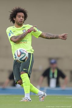 Marcelo #footballislife Best Football Players, Football Is Life, Football Art, Soccer Players, Real Madrid, Marcelo Real, Go Brazil, Mc 12, Johnny Depp