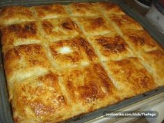 preliveni burek s mesom pita Burek Recipe, Kiflice Recipe, Bosnian Recipes, Croatian Recipes, Croatian Cuisine, Bread Dough Recipe, Great Recipes, Favorite Recipes, Macedonian Food