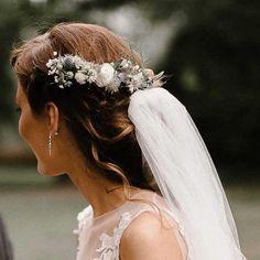 Chetres bridal wreath from wildflowers Girls Dresses, Flower Girl Dresses, Wildflowers, Flower Crown, Floral Wedding, Wedding Decorations, Wreaths, Bride, Wedding Dresses
