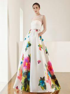 cf5750c52c Vestido de novia de Patricia Avendaño colección 2017. Eva Novias Madrid  Vestidos De Novia De