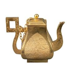 Théière en or à la cour des Nguyên.  Gold teapot. Nguyên dynasty, Huê, Vietnam   # Pin++ for Pinterest #