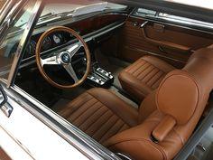 1975 BMW 3.0cs interior