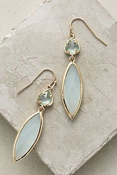 Mary Janes Style Files: New Arrivals - Earrings Jewelry Cute Jewelry, Boho Jewelry, Jewelry Box, Jewelry Accessories, Fashion Accessories, Handmade Jewelry, Jewelry Design, Fashion Jewelry, Jewelry Making