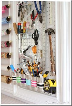 Living Savvy: Friday Finds... Peg Board